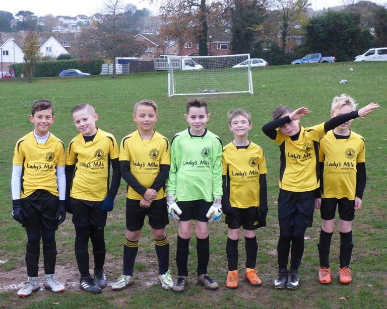 Dawlish United Under 11's Football Team sponsored by CPH Interiors